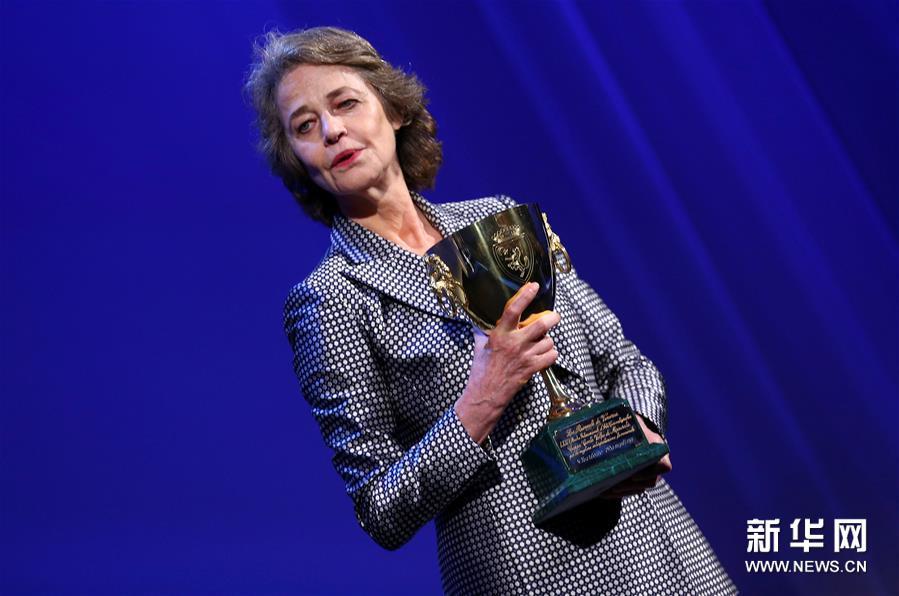 (外代一线)(2)第69届柏林电影节终身成就奖将授予英国演员兰普林