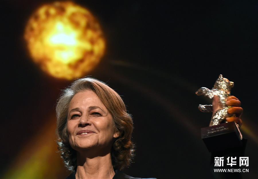 (外代一线)(4)第69届柏林电影节终身成就奖将授予英国演员兰普林
