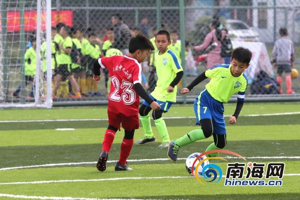 """海口市""""体校杯""""青少年足球邀请赛开赛40支代表队竞技"""
