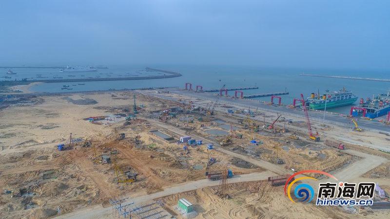 组图|航拍海口新海滚装码头客运综合枢纽站建设工程