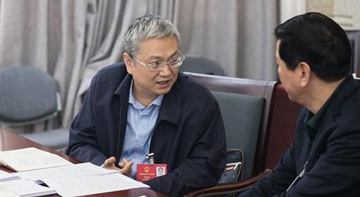 高清组图|海南省六届人大二次会议代表认真审议政府工作报告
