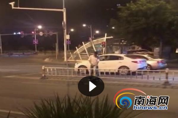 辣眼睛!男子三亚当街小便 被抓获并处行政拘留10日