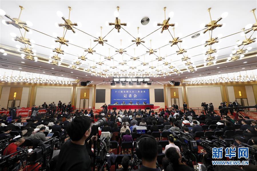 """(两会)(5)财政部部长刘昆等就""""财税改革和财政工作""""答记者问"""