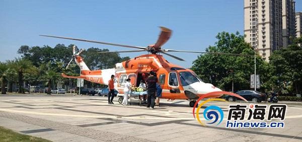 海南首例!高速公路直升机绞车悬停救援 往返50公里用时25分钟