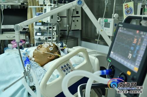 昌江27岁小伙突发脑溢血昏迷多日 这名公益志愿者需要你帮助