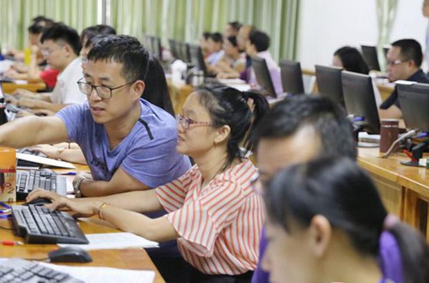 组图 | 海南高考网上评卷将于6月20日完成 701名教师参评