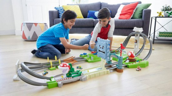 美泰携手任天堂推出《马力欧赛车》赛道玩具套装