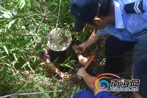 两名六旬老人进山探险被困 五指山消防部门成功救援