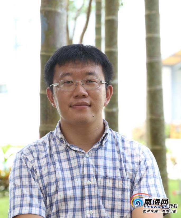 """海南周刊   """"85后""""驻村博士李人达:做全村人的""""法律顾问"""""""