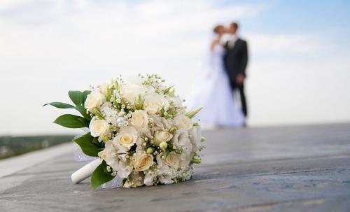最热评丨中国结婚率创近10年最低:恐婚根源何在