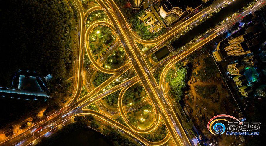 空中俯瞰海口滨海立交。。南海网记者 刘洋摄.jpg