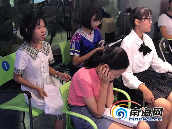 <b>2019海南中小学生英语演讲活动复赛举行 38名选手进入决赛</b>