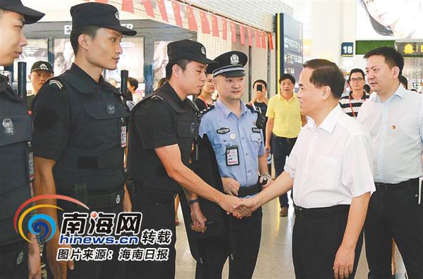 刘赐贵:用好离岛免税金字招牌 提升进出岛交通便利化 为国际旅游消费中心建设打下坚实基础