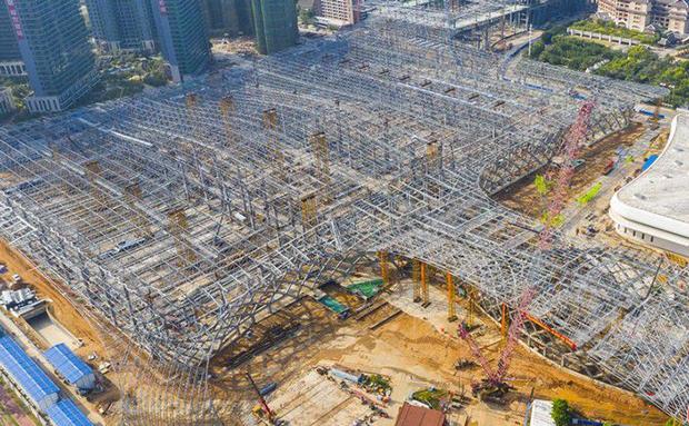瞰海南|航拍视频带你看!海南国际会展中心二期项目钢结构实现封顶
