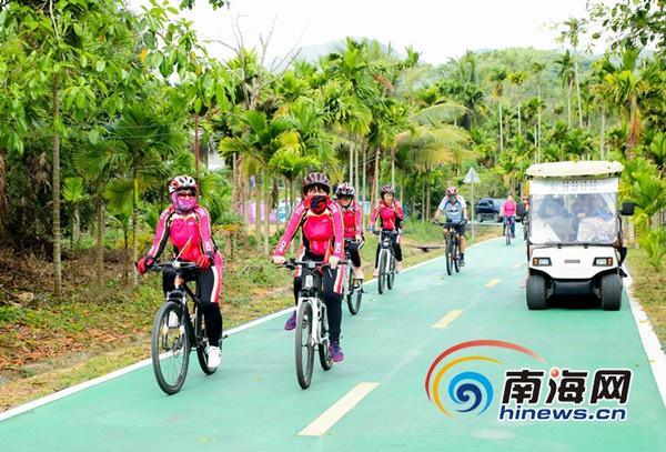 三亚吉阳区举行美丽乡村自行车骑游活动 千人参加