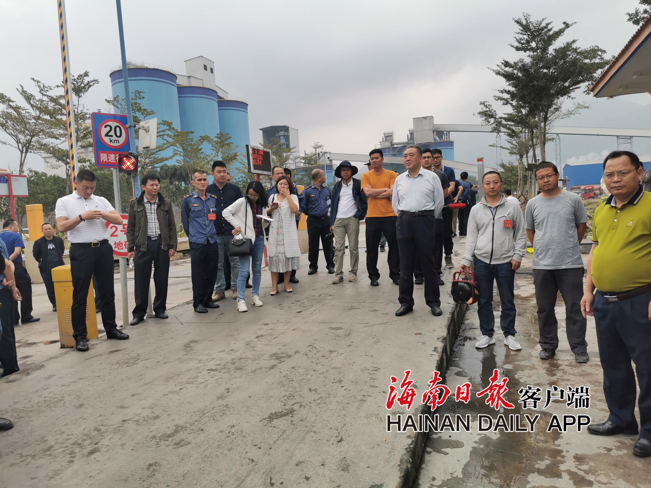 今年以来海南全省查处超限超载违法行为2220余起