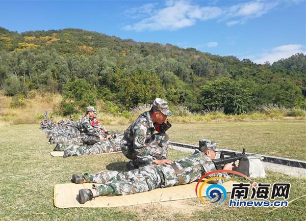 """[滚动]三亚吉阳区村支书民兵营长年终军事考核""""不走过场"""""""