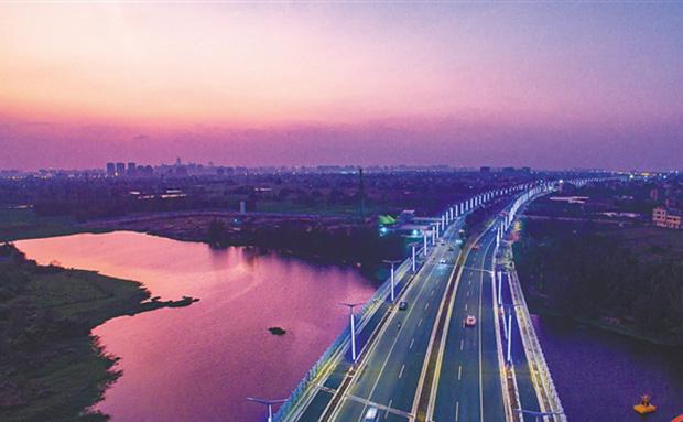 海口:彩带蜿蜒贯江东
