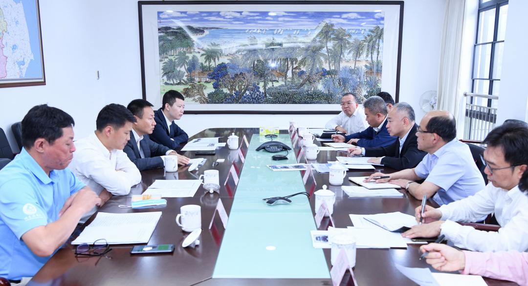 海口市政府分别与海南未来产业园、吉利科技集团举行工作会谈
