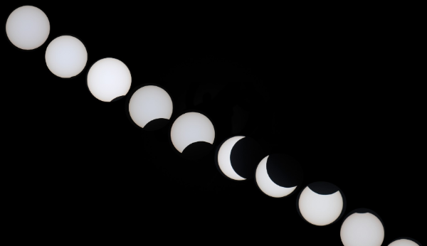 原创组图   从三亚上空看日食