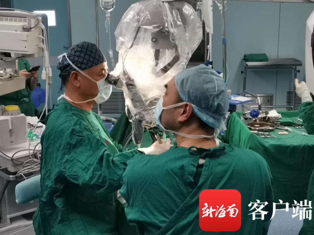 国内耳鼻喉科顶尖专家两天成功完成7台特许手术