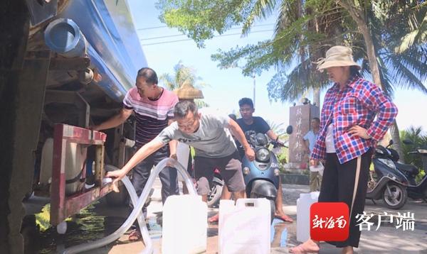 """自来水管铺设中……琼海长坡""""吃水难""""村庄8月底将用上自来水"""