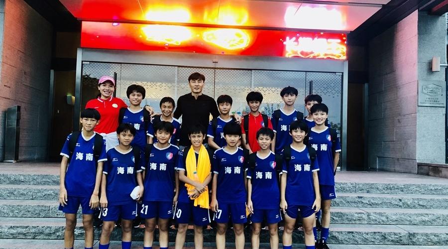 琼中女足参加足球竞赛真人秀《超球少年》 获范志毅等教练称赞