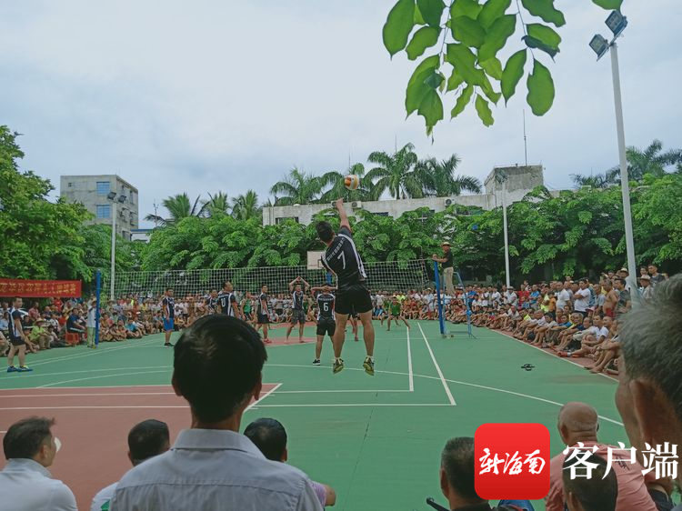 海口龙华区举办九人排球赛 丰富群众节日文化生活