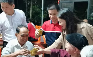 屯昌林朝忠连续9年重阳节都做一件事:宴请近百位老人吃团圆饭