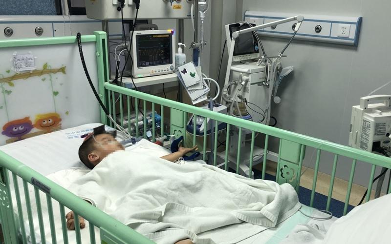 三亚成功为2岁男童实施先本性脊柱侧弯矫形术