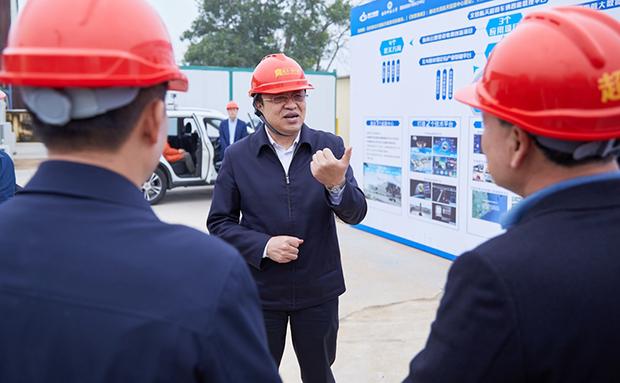 冯飞在文昌调研时指出:以规划引领加快推进航天科技产业发展