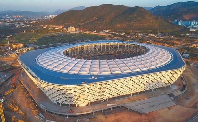 三亚国际体育产业园体育场项目屋面系统完工