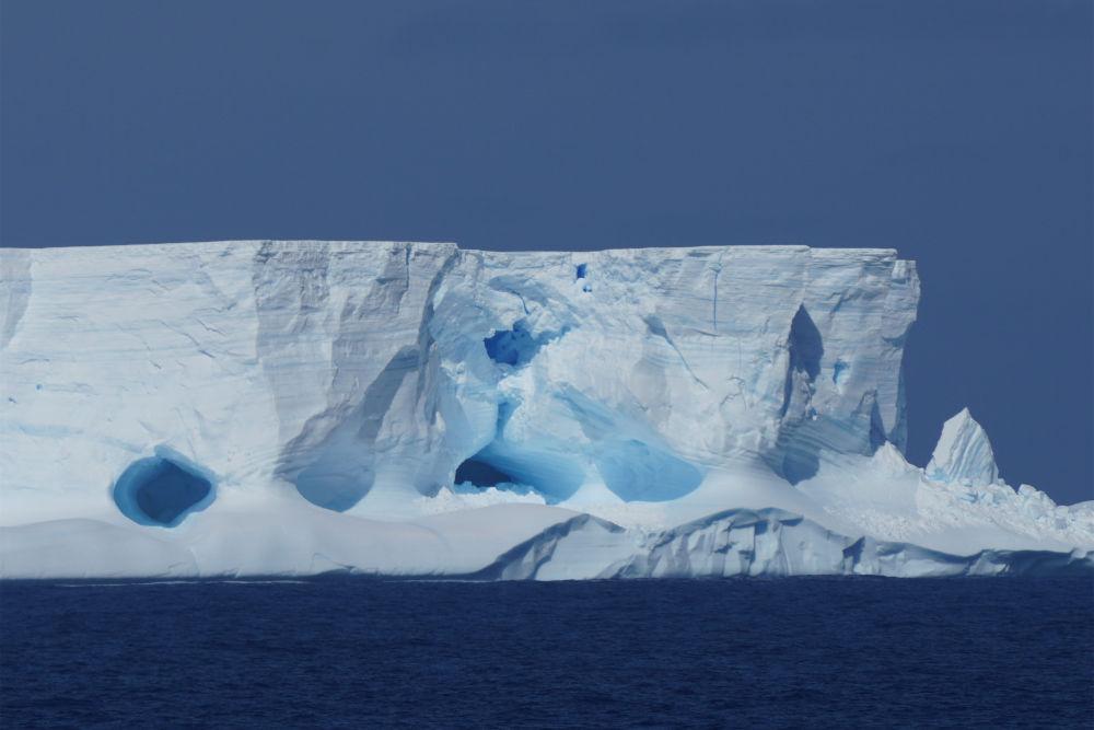 面积超4000平方公里!南极洲诞生世界最大冰山
