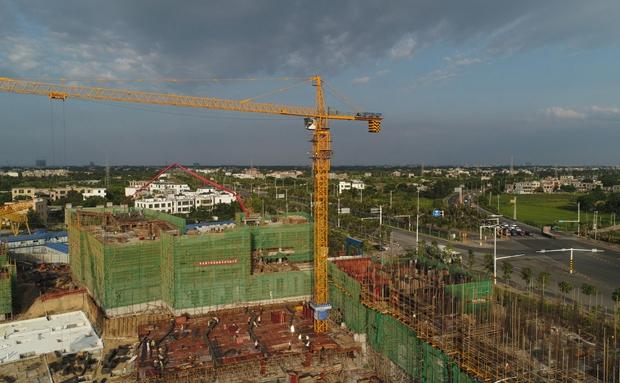 瞰海南 | 海口江东新区首个安居房项目首栋建筑单体顺利封顶