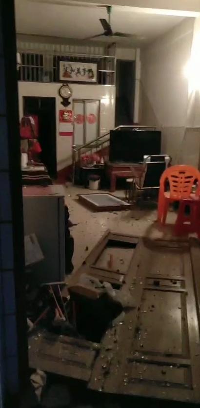 文昌通报东郊民房爆燃事件:嫌疑人被控制 自制的爆炸物用于非法捕捞
