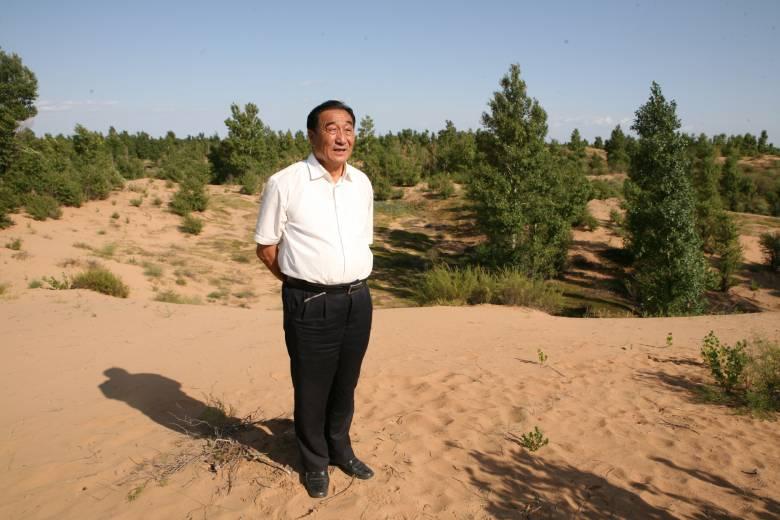 """【""""七一勋章""""获得者说】石光银:能有一口气 还要继续为治沙造林创出一条新路"""