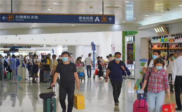 """8月1日22时起,进入海口美兰机场航站楼旅客需凭""""健康码""""通行"""