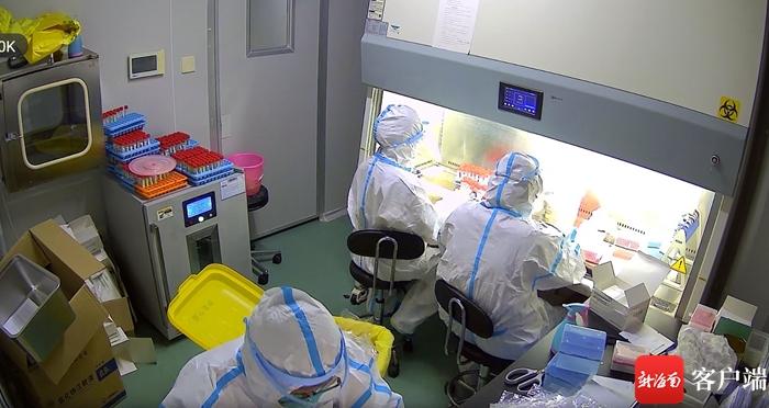 核酸检测需求猛增 海口医疗机构加班加点保检测
