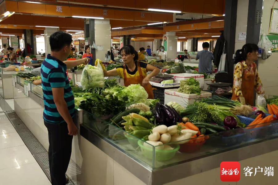 """台风""""圆规""""来袭 定安多举并措保障新鲜蔬菜供应"""