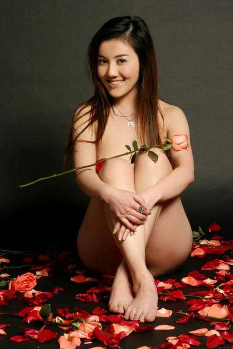 中国第一美女作家彭久洋显身性爱光碟组图