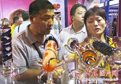 武汉国际性用具展火爆开幕性成人引好奇[图]上海有哪里情趣v用具图片
