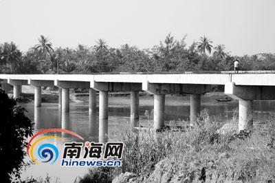 博鳌乐城大桥合龙:全长208米 宽7.5米