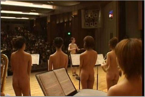 日本高校裸体女子乐队组图