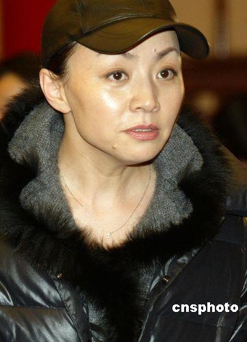 资料图:喜剧演员宋丹丹.     摄 -宋丹丹200集贺岁剧 与林兆华之女3图片