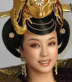 刘晓庆1995年出演电视剧《武则天》,从16岁演到80岁