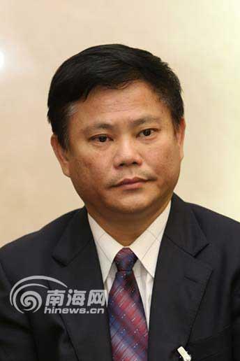 中共海南省第五届委员会常委简历[组图]--新闻中