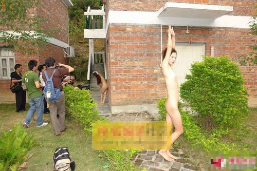 揭秘女大学生人体模特裸体拍摄过程[组图]--南