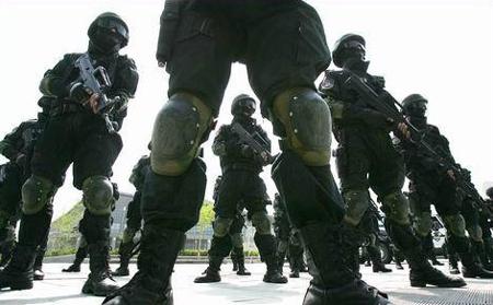 中国武警 雪豹突击队 赴俄罗斯参演启程图片