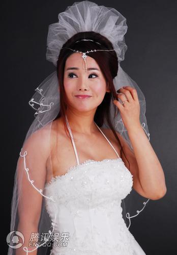 杨欣大婚在即床上调情