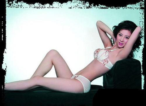汤加丽大胆人体艺术下体_南海网 新闻中心 娱乐新闻    汤加丽的一本人体艺术画册曾掀起轩然